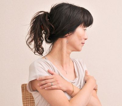 背中の痛み左 (2)